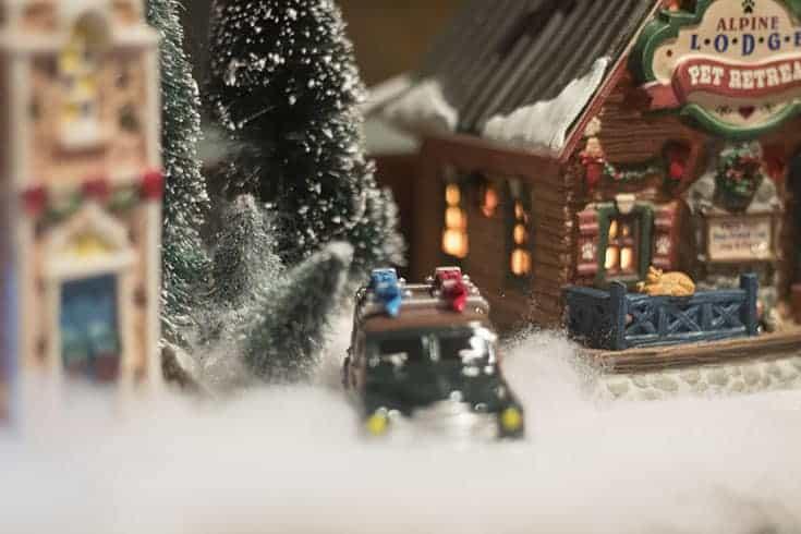 cassidy ville or lindas lemax village - Lemax Christmas Village