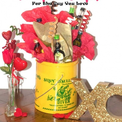 Valentine's Day Presents -DIY Alcohol Bouquet for that Special Guy