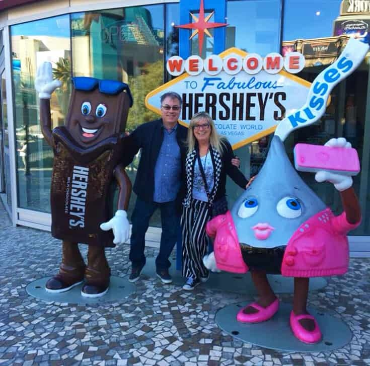 Fabulous Hershey statue  in Vegas with stripes and checks