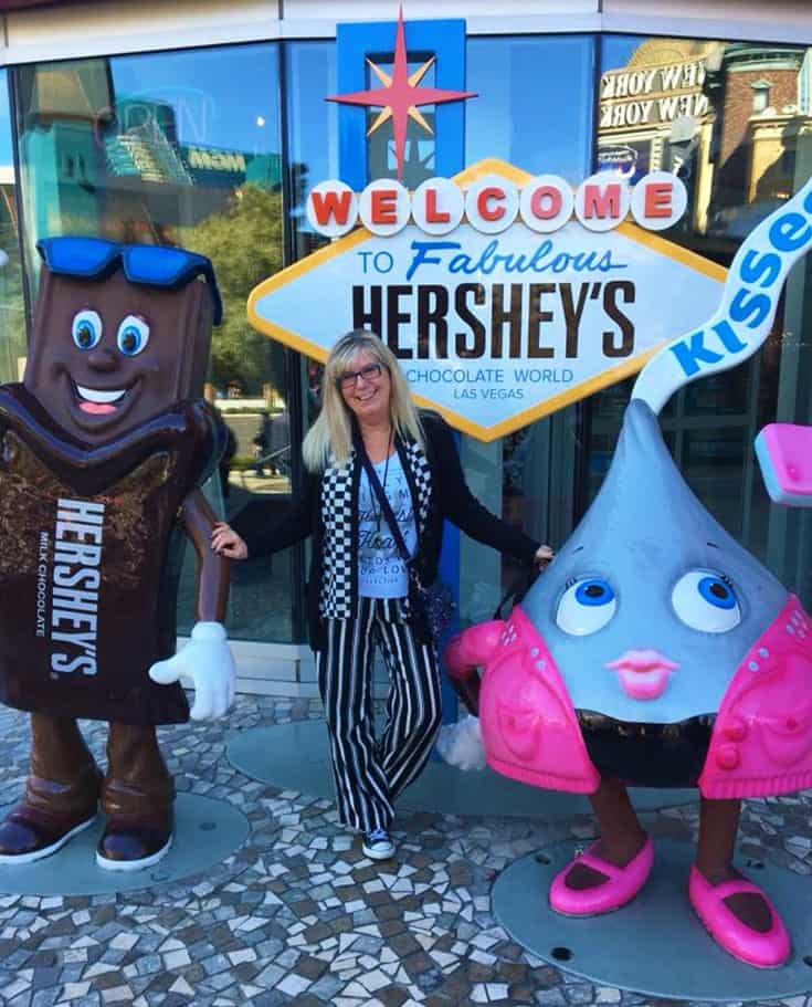 Fabulous Hershey statue  in Vegas with a fun striped outfit