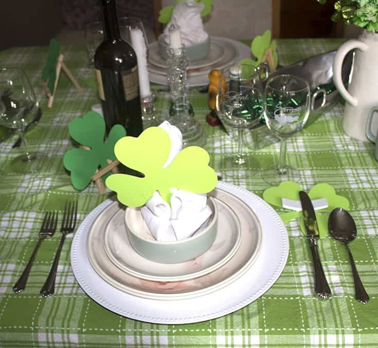 Shamrock name cards for a St Patrick's Day Table