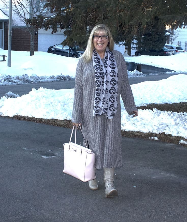 Eva Trends Grey Slit knitted dress with shoe dazzle boots amd a Kate Spade pink Tote