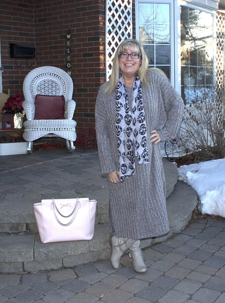 Eva Trends Grey Slit knitted dress with a Kate Spade pink Tote