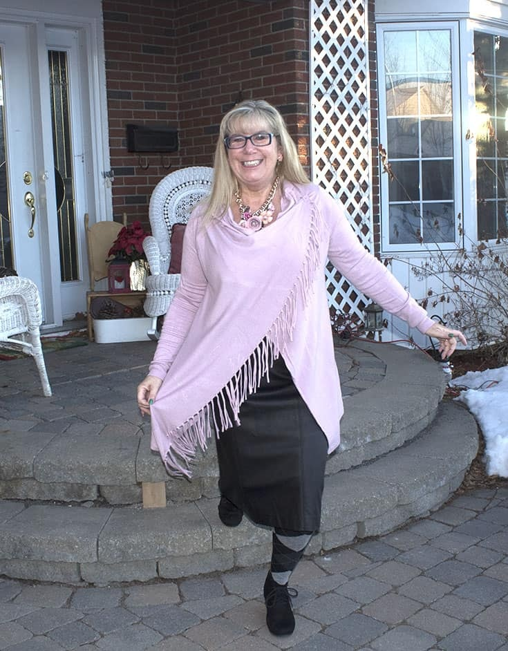Eva Trends Tassel Shirt in pink, a Laura Faux leather skirt and sketchers wedges