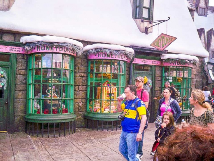 Honey Dukes in Hogsmeade