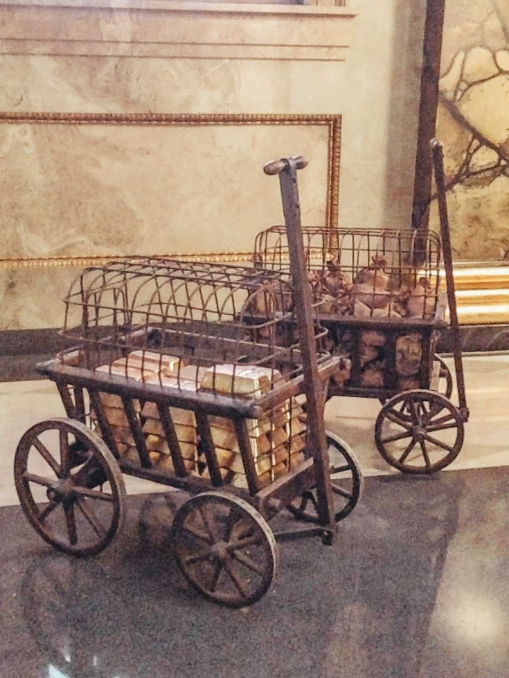 wagons of gold in Gringott's