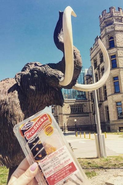Pro Sticks SRIRACHA  and a Mammoth Snack