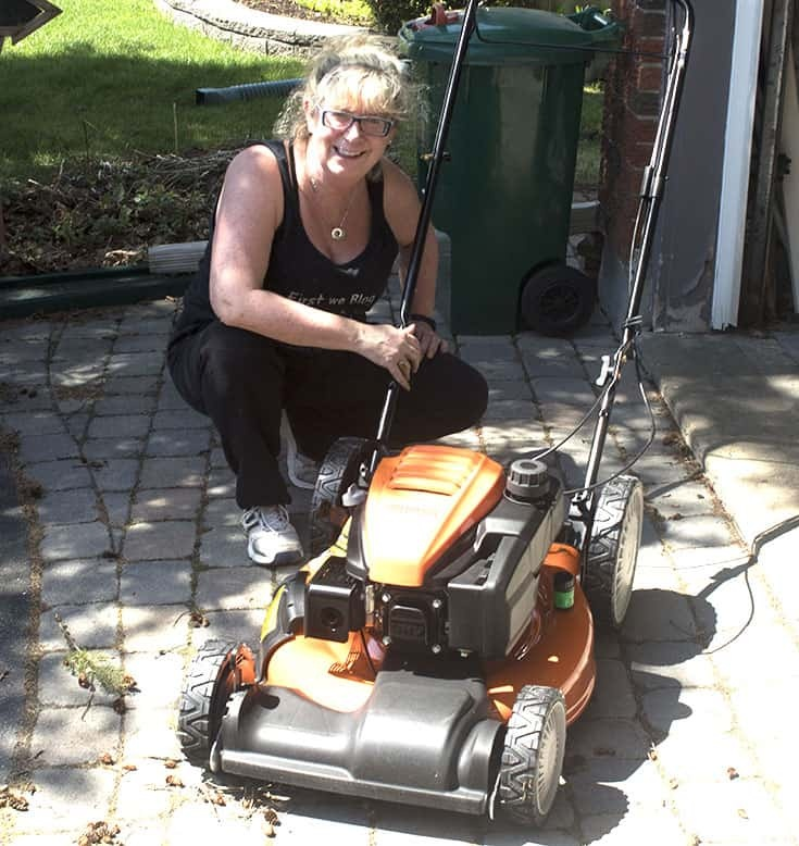 unboxing the columbia mower from Home depot