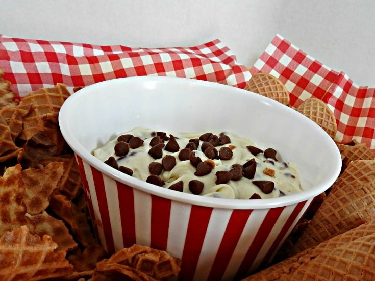homemade cannoli dip with cottage cheese