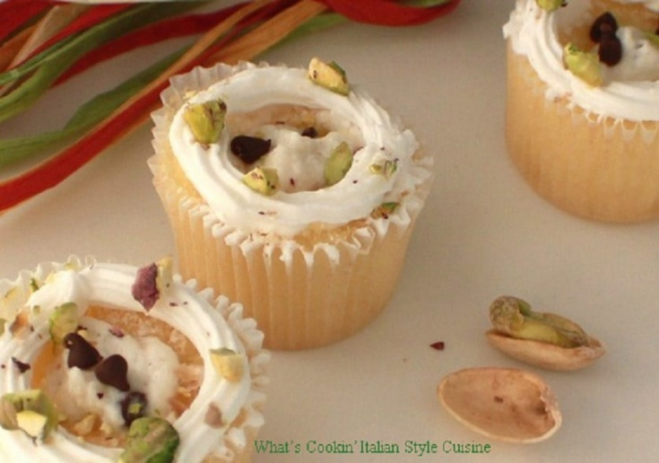 Cannoli filled cupcakes