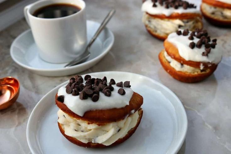 cannoli donuts