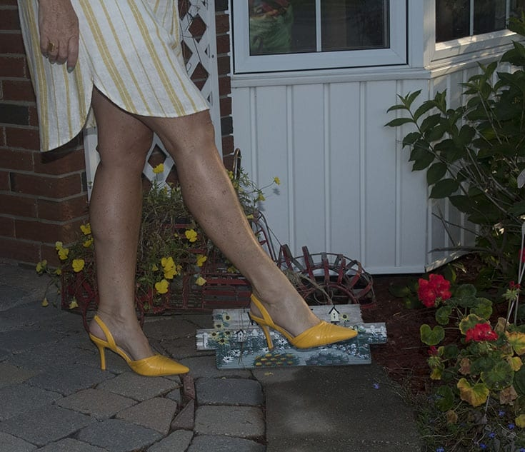 shoe dazzle yellow kitten heels