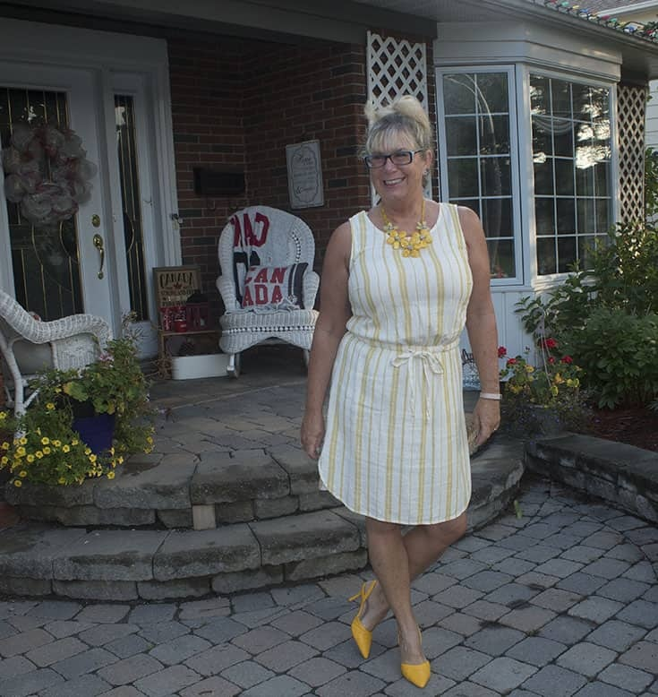 linen shift from old navy and yellow floral necklace