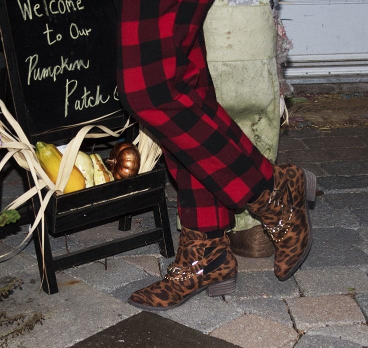buffalo plaid pants and leopard boots_8925