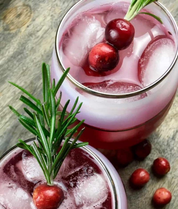 Cranberry Spritzer in a glass