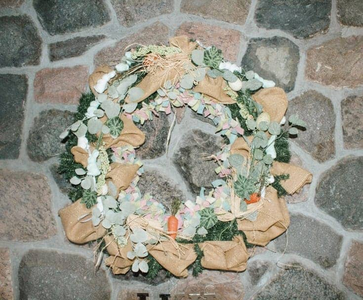 Easter wreath on the fireplace 7