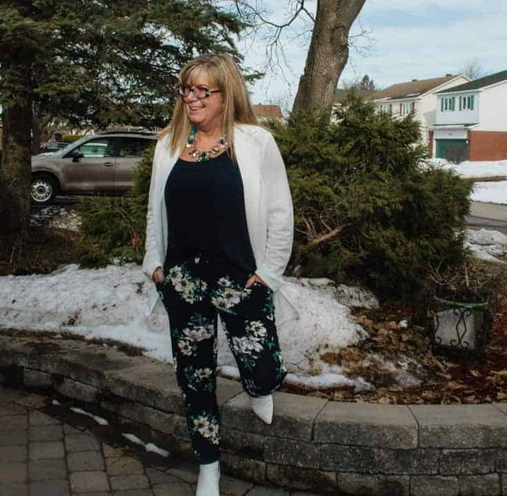 Giant tiger floral pants and white blazer 9