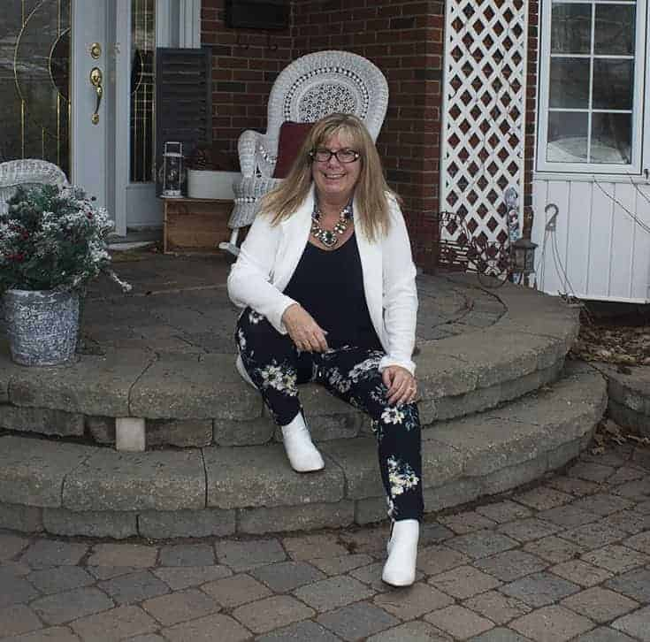 Giant tiger floral pants and white blazer 7