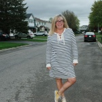 Old Navy stripe dress with yellow converse 3