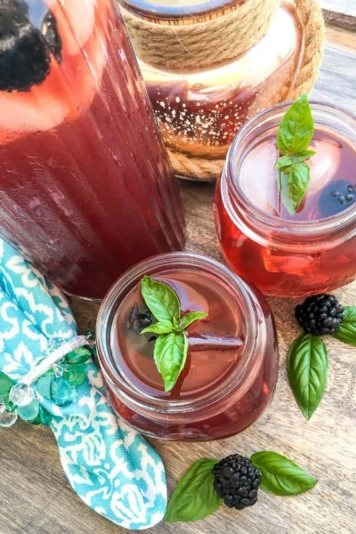 Instant Pot® Blackberry Iced Tea with a Twist