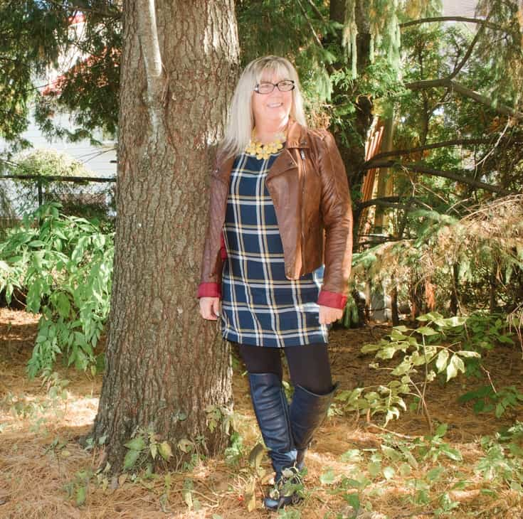 old navy plaid tunic and fall foliage 8