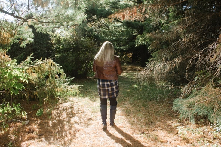 old navy plaid tunic and fall foliage 9