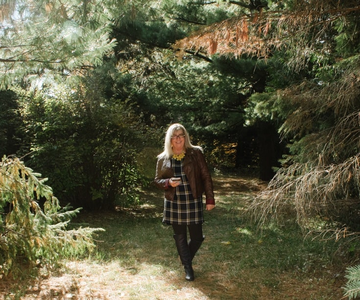 old navy plaid tunic and fall foliage 444