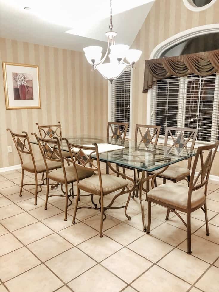 dining room at PMV