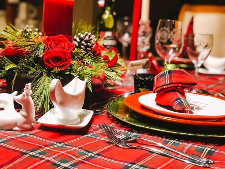 centrepiece red plaid Christmas table