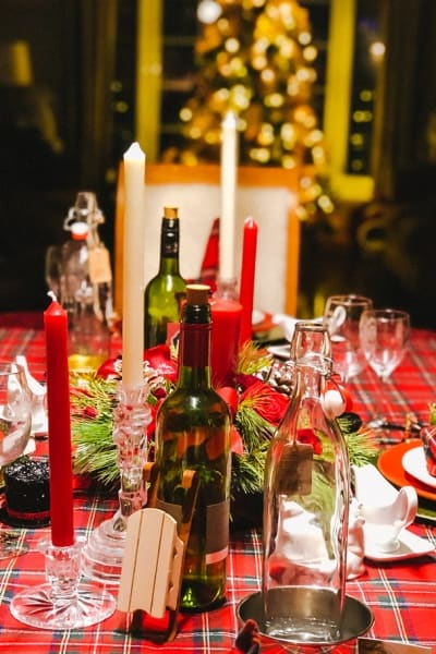 Christmas Plaid Table Setting