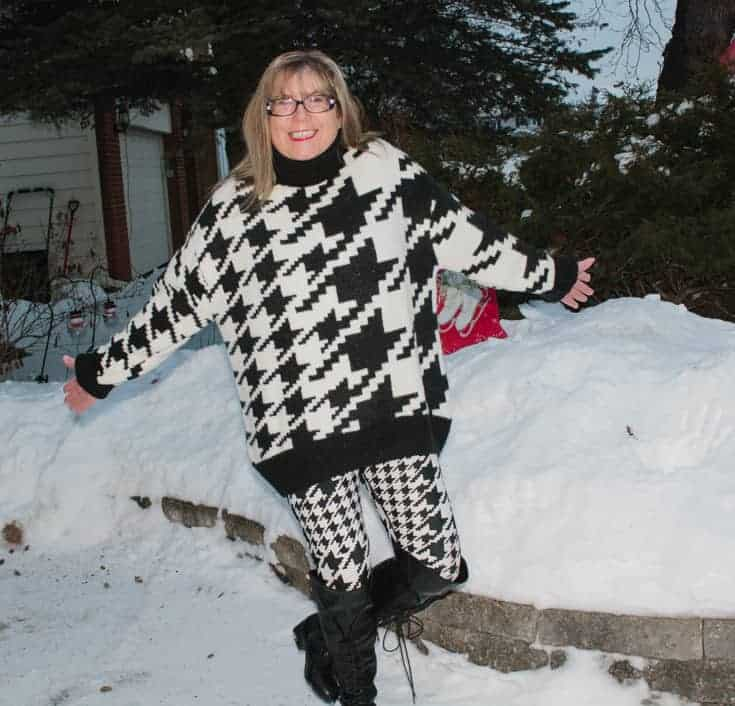 n in the snow in HM houndstooth leggings