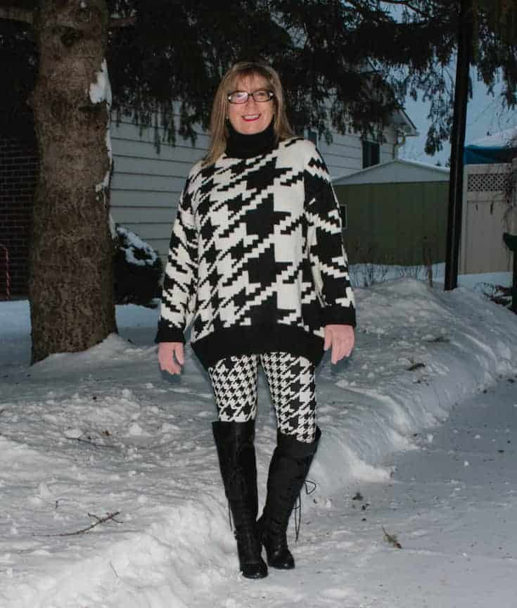 HM houndstooth sweater an 3d leggings in the snow