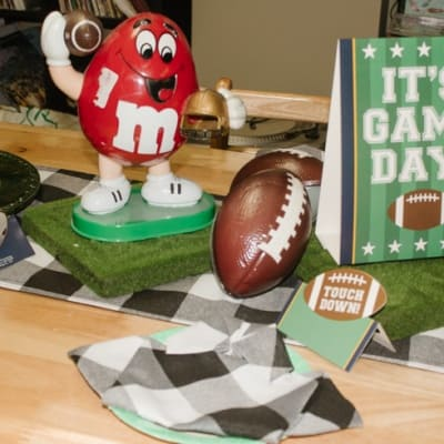 table super bowl set up for entertaining