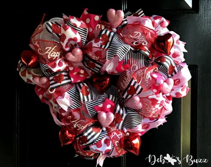 sweetheart-wreath-black-door
