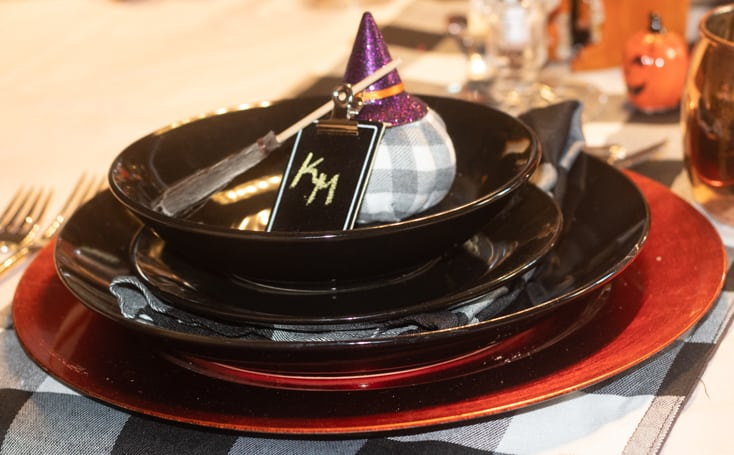 halloween place setting in black