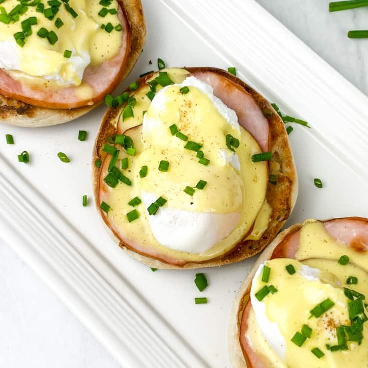 eggs with hollandaise sauce