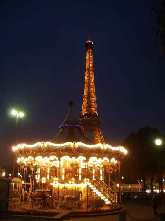 eiffel tower at night MB