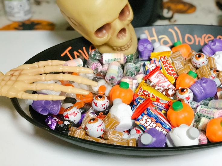 kull and candy in a large bowl