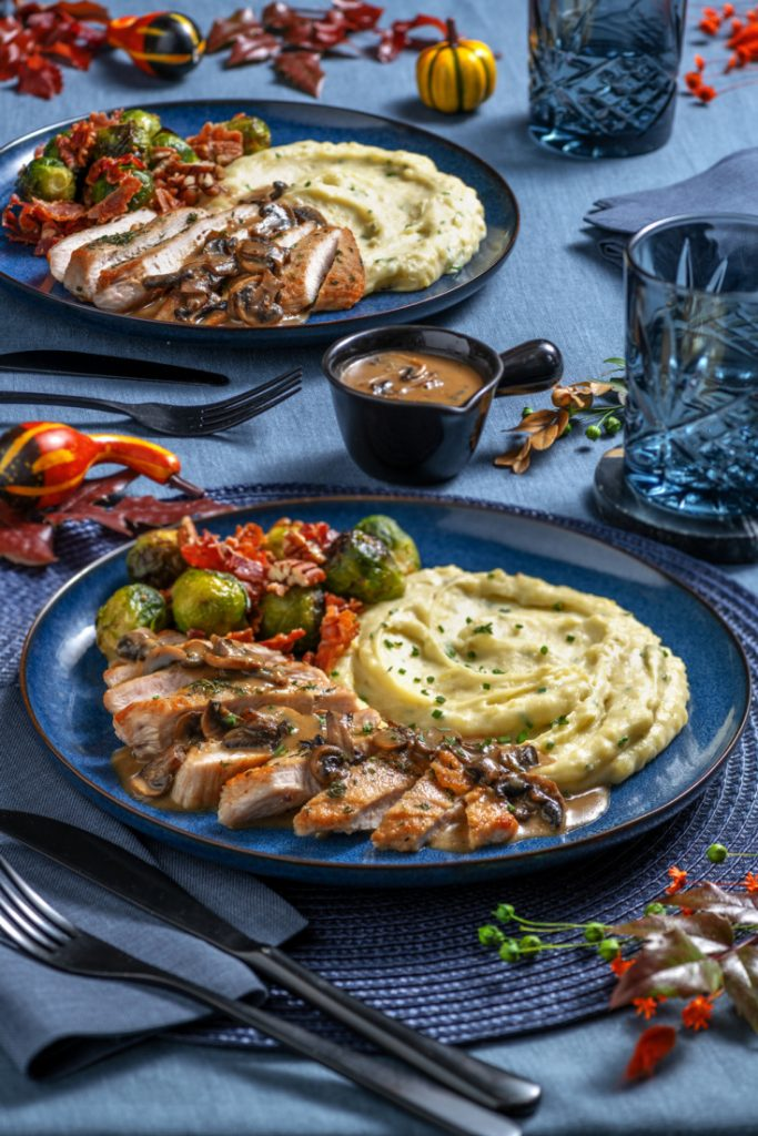 chefs plate Thanksgiving dinner